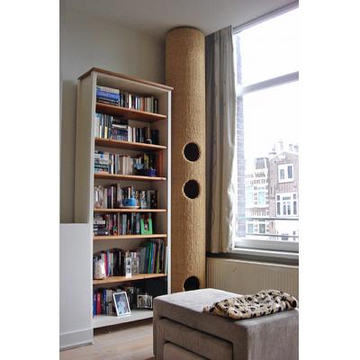 Fatcat 3 er en moderne katteklatrer til gulv til loft, til indendørs katteklatring