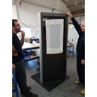 Detail totem i produktion i Armagards digitale totem fabrikantens lokaler.