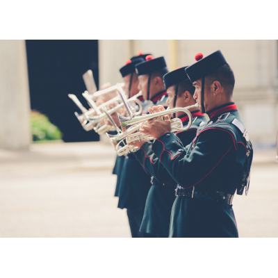 et marcherende band, der spiller Westminster Instruments af BBICO
