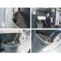 Kühlmittelrückgewinnungssystem an Ort und Stelle auf einer Schneidemaschine.