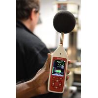 Lärm am Arbeitsplatz Überwachungsgeräte in einer Fabrik