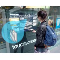 Una superposición de pantalla táctil de tamaño personalizado en uso en una ventana.