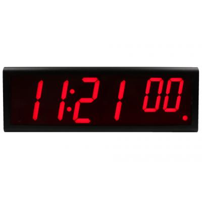 Vista frontal del reloj de pared digital ethernet de seis dígitos Inova