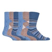 आरामदायक सॉक निर्माता से नीले और भूरा पैटर्न वाले मोजे।