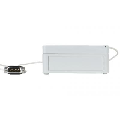 डी प्रकार कनेक्टर के साथ रेडियो रिसीवर