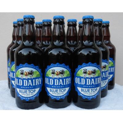 नीले शीर्ष 4.8% आईपीए। अंग्रेजी ब्रुअरीज बोतलबंद शिल्प बियर का उत्पादन
