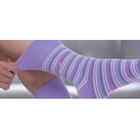 roze zachte sokken voor dames van GentleGrip.