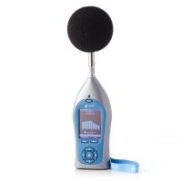 Pulsar Instruments klasse 1 geluidsniveaumeter met windscherm.