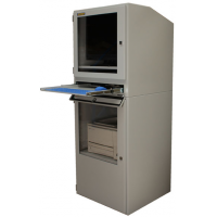 Industriële computerkast met toetsenbord lade geopend