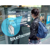 Uma sobreposição de tela sensível ao toque de tamanho personalizado em uso em uma janela.