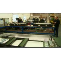 Instalação de produção de fabricante de cartão de menu digital.