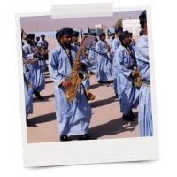 Bağımsızlık kutlamaları için askeri grup enstrümanları BBICO